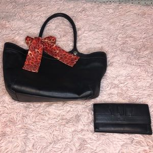 Coach purse with matching wallet and coach scarf